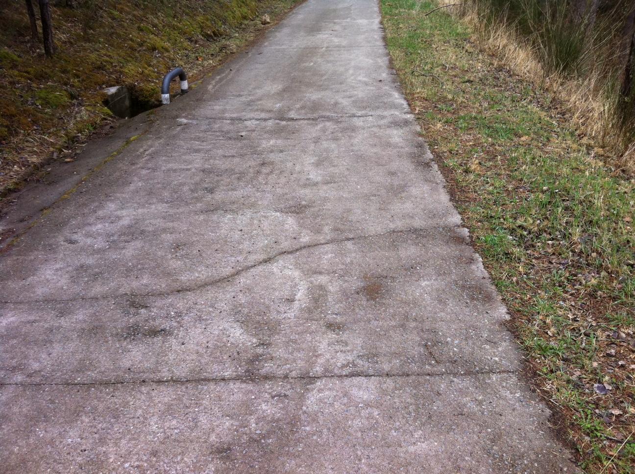 Mejorar caminos de acceso a fincas y terrenos mediante for Camino hormigon
